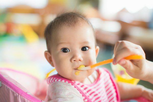 赤ちゃんの野菜デビューにおすすめ!離乳食初期、ママたちが使った人気野菜ベスト5