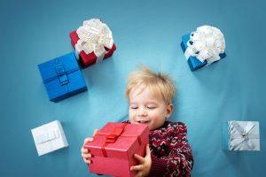 子どもの誕生日会やパーティでプレゼントの持ち寄り!選び方のコツとは?【予算1,000円程度 男の子向け】